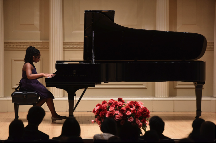 Alanna Crouch Perfoming at Carnegie Hall Arabia Études-Tableau